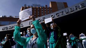 Concentración de personal de enfermería en el Hospital 12 de octubre.