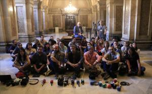 Protesta de periodistas en el Parlament