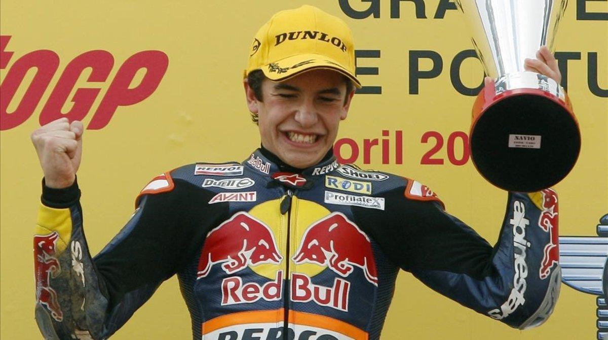 El Marc Márquez más pequeño, más joven, celebra en Estoril-2010 una de sus grandes victorias.