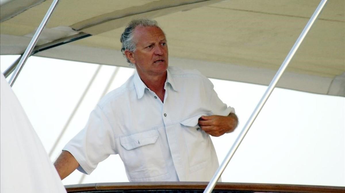 El diseñador Gianni Versace, asesinado en EEUU, durante unas vacaciones en 1995.