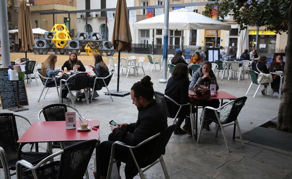 Terraza del Café del Sol, en Gràcia, Barcelona.