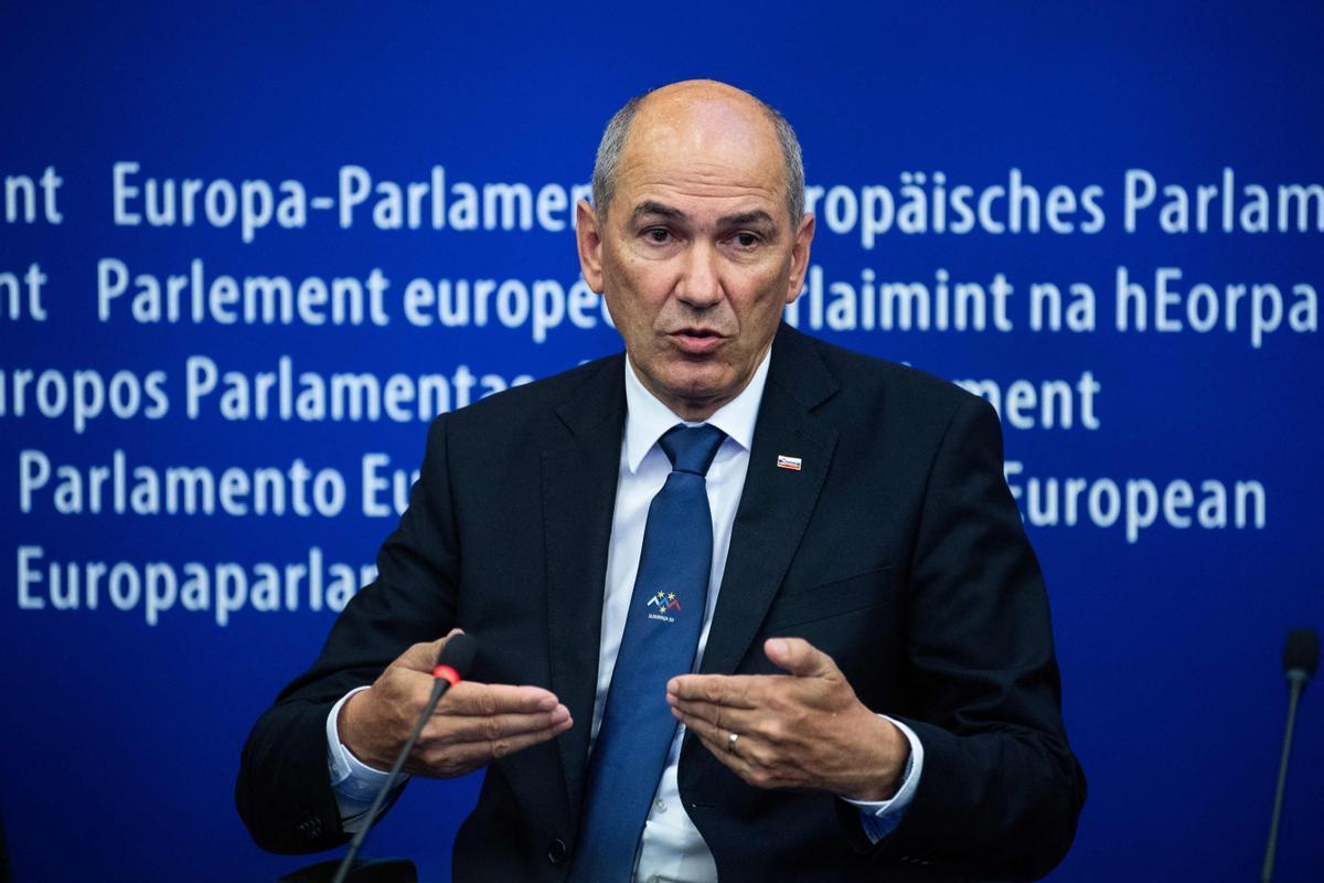 El primer ministro de Eslovenia, Janez Jansa, durante una rueda de prensa en Estrasburgo el pasado 6 de julio.