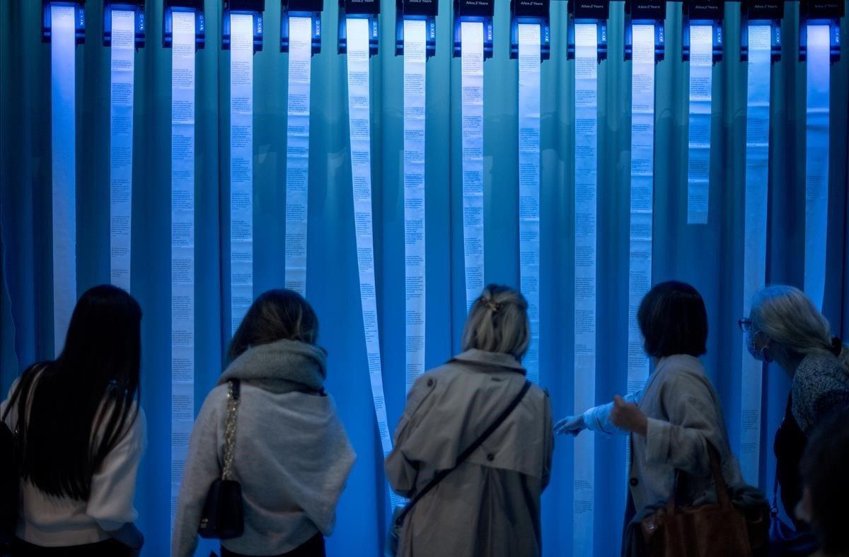 'Feminista havies de ser', cita importante en el Palau Robert barcelonés.