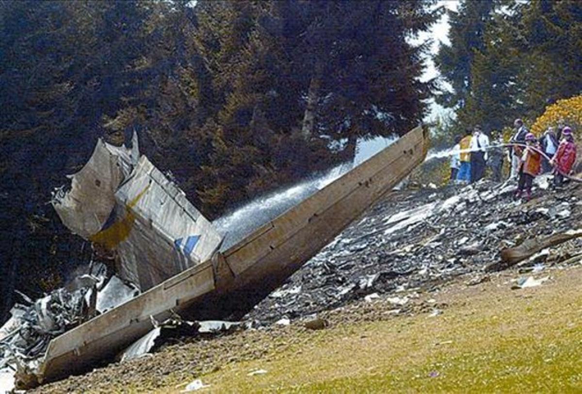 Imagen del 'Yak-42' siniestrado, el 26 de mayo del 2003, en Turquía.