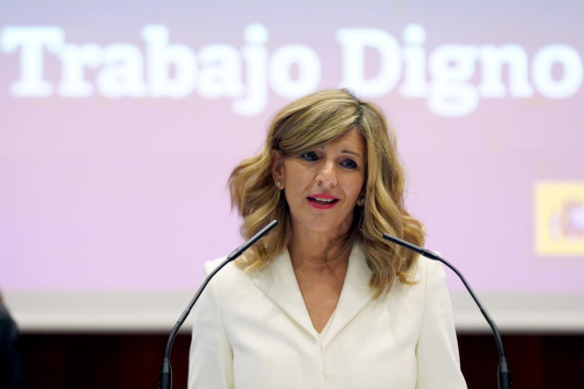 MADRID 31/03/2021POLITICACambio de carteras entre el ex vicepresidente Pablo Iglesias y la vice presidenta Yolanda Diaz.IMAGEN DAVID CASTRO