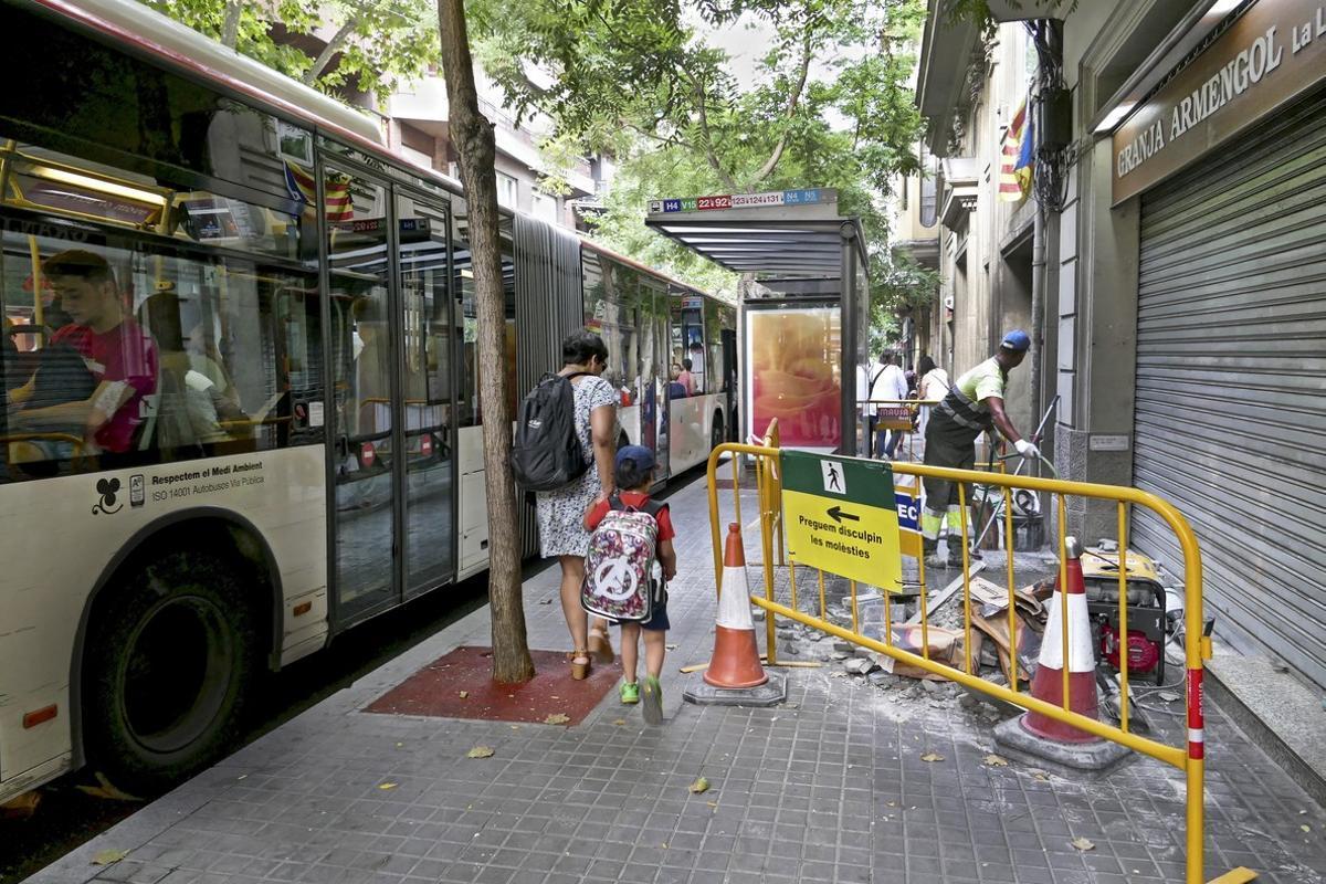 La parada de autobús de la discordia en la calle de Craywinckel.