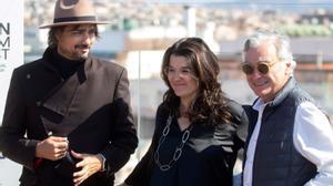 El director Guillermo Ríos, la guionista Marta Buchaca y el productor Eduardo Campoy, tras presentar en el BCN Film Fest la película 'Solo una vez'.