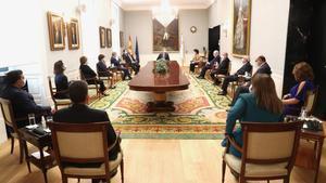 Reunión del Tribunal de Cuentas presidida por el rey.