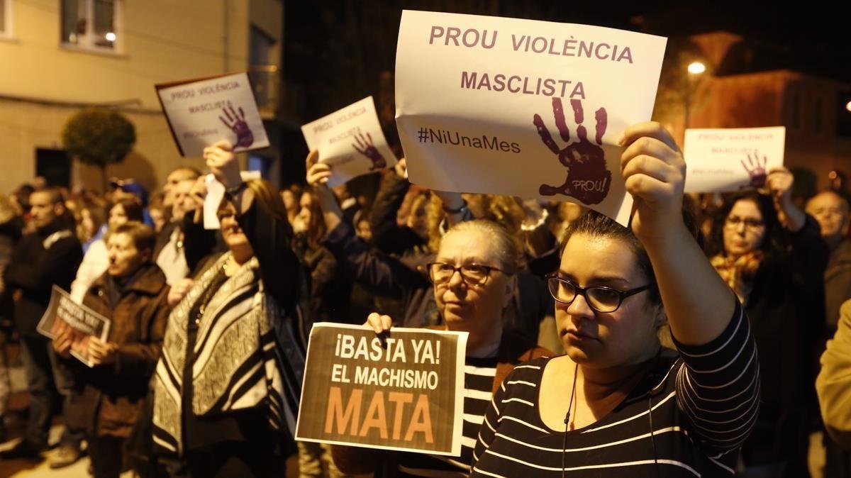 Concentración contra la violéncia de género en Santa Perpètua de Mogoda en el 2017.