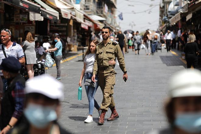 Israel permite ya salir a la calle sin mascarilla