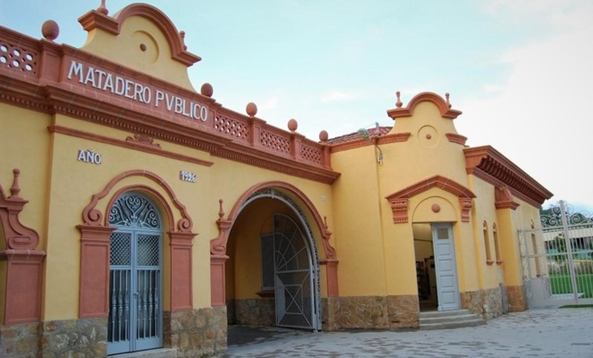 El Centro de Recursos y Asesoramiento de las Mujeres de Badalona.