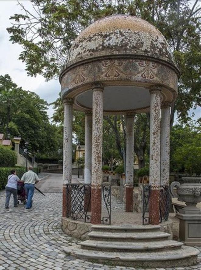 Templet modernista del parc de Can Buxeres, a l'Hospitalet, divendres passat.