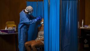 Un 20% dels malalts de Covid es poden reinfectar als tres mesos