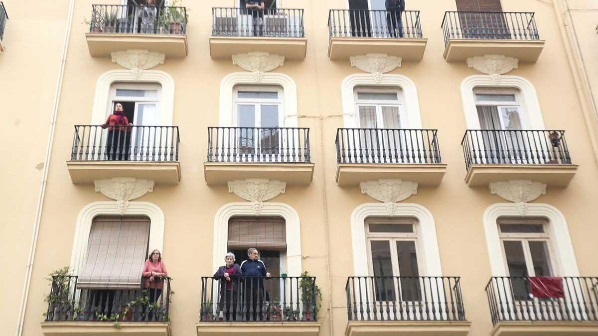 Vecinos que se quedan sin piso por el proyecto de apartamentos turísticos.