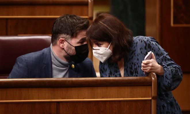El PSOE se compromete a facilitar la tramitación de la ley trans de la oposición en el Congreso