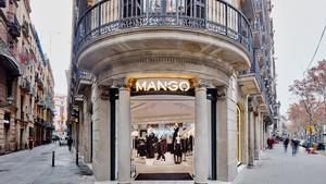 Tienda de Mango de la calle de Canuda en Barcelona.