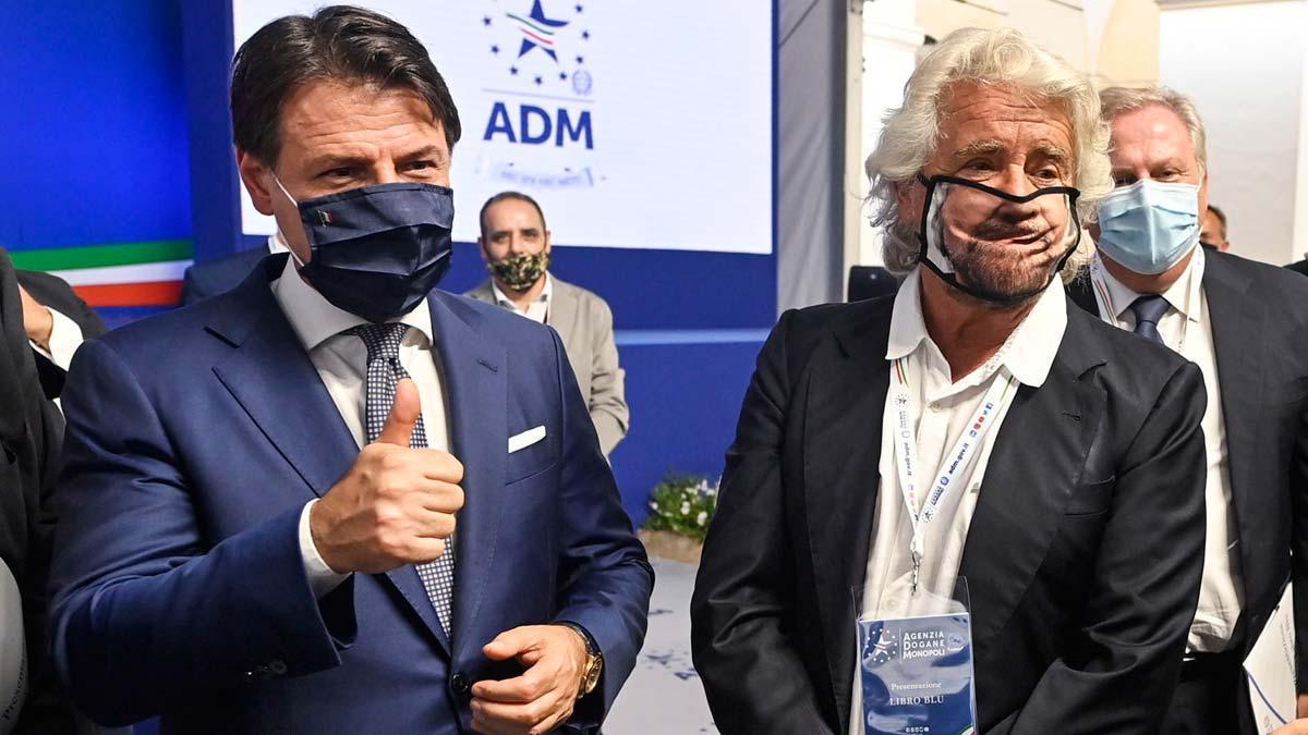 Giuseppe Conte (izquierda) y Beppe Grillo, en una imagen de septiembre del 2020.