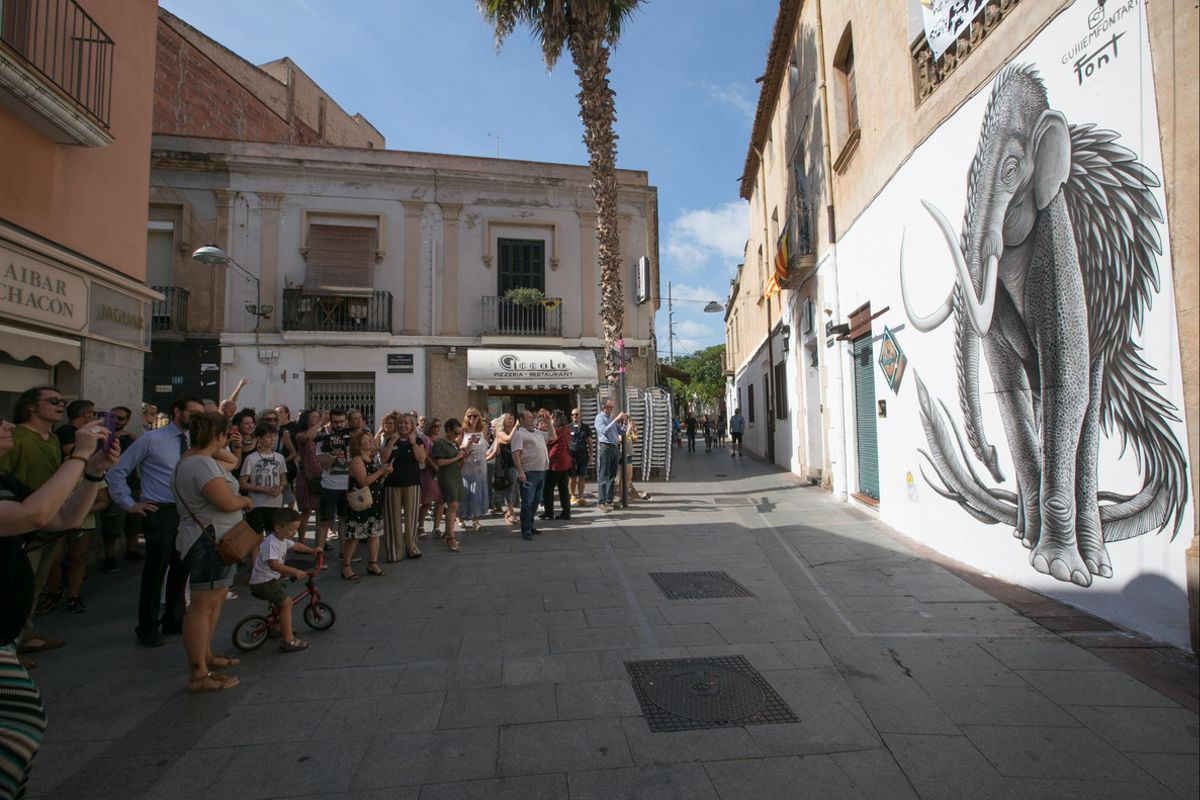 Pintura mural de Guillem Font en La Bodegueta