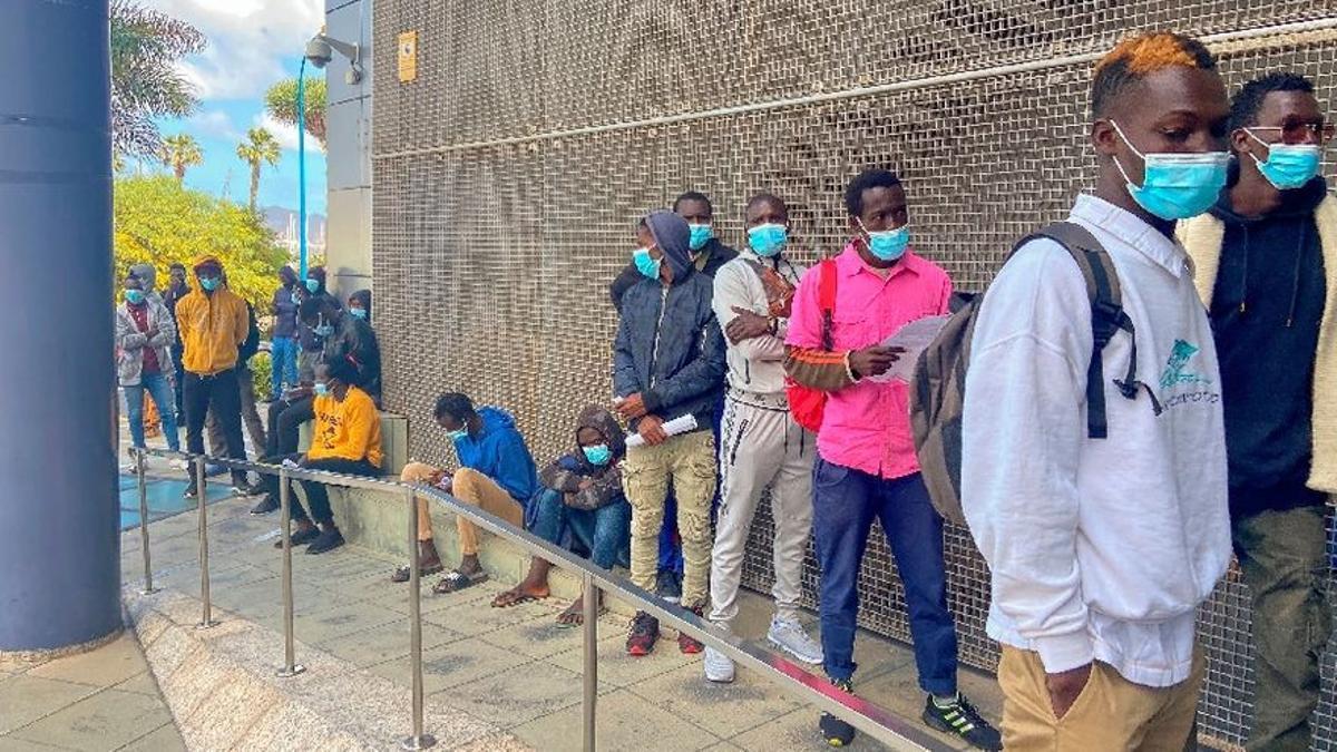 La pandemia hunde las solicitudes de asilo en la UE a niveles de 2013