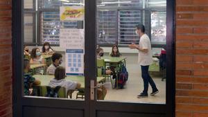 Profesor y alumnos de la Escola Catalonia de Barcelona, el pasado 14 de septiembre.