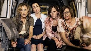Toni Acosta, Nuria Herrero, Malena Alterio y Mamen García, en 'Señoras del (h)AMPA'.