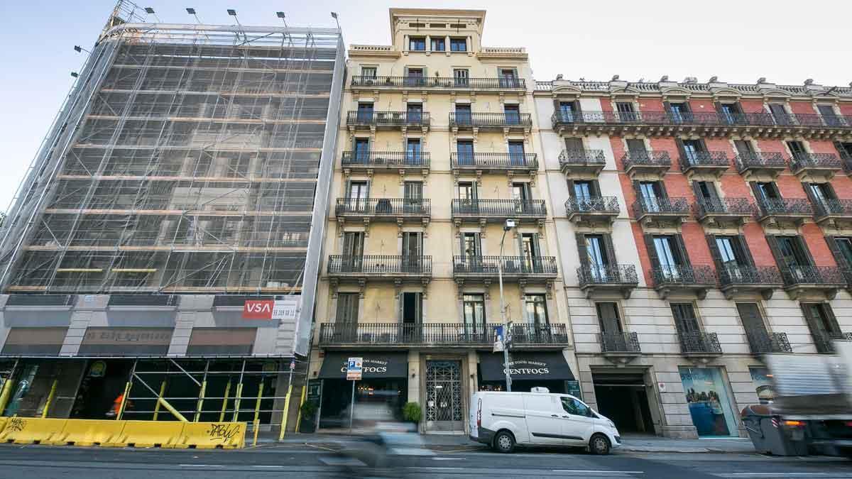 Finca adquirida por el Ayuntamiento de Barcelona en la calle de Balmes para destinar a vivienda pública.