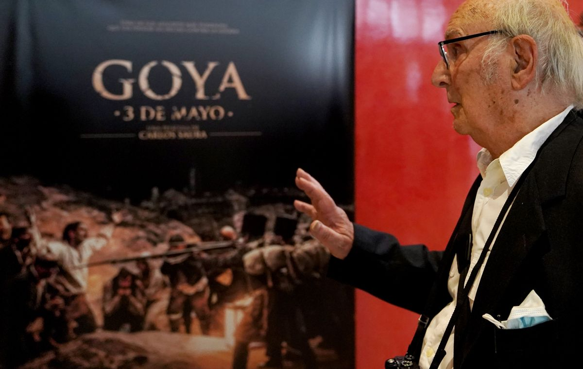 Carlos Saura, durante la presentación de su película 'Goya, 3 de mayo' en el Museo del Prado.