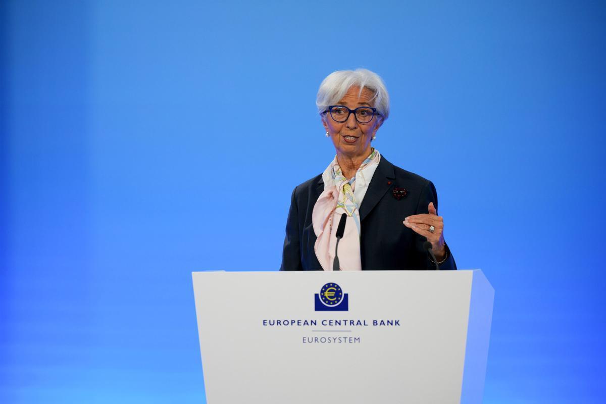 El BCE manté els estímuls malgrat preveure més creixement i inflació