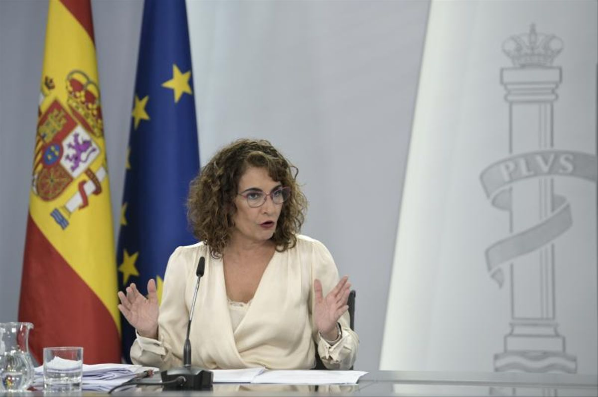 La ministra de Hacienda, María Jesús Montero, durante la presentación del proyecto de ley de Presupuestos en La Moncloa.