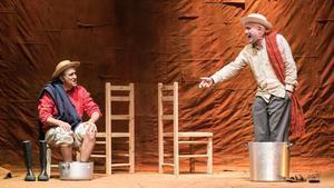 Pako Merino (izquierda) y Diego Lorca en 'La zanja'.