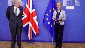El primer ministro británico, Boris Johnson, y la presidenta de la CE, Ursula Von der Leyen.