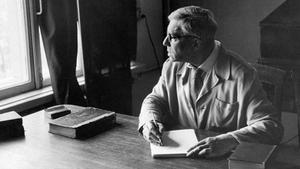 Borís Pasternak, en su despacho en octubre de 1958, fecha en la que ganó el Nobel de Literatura.