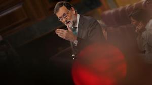 """Rajoy es fa un homenatge amb el """"fi de la cita"""" en la moció de censura"""