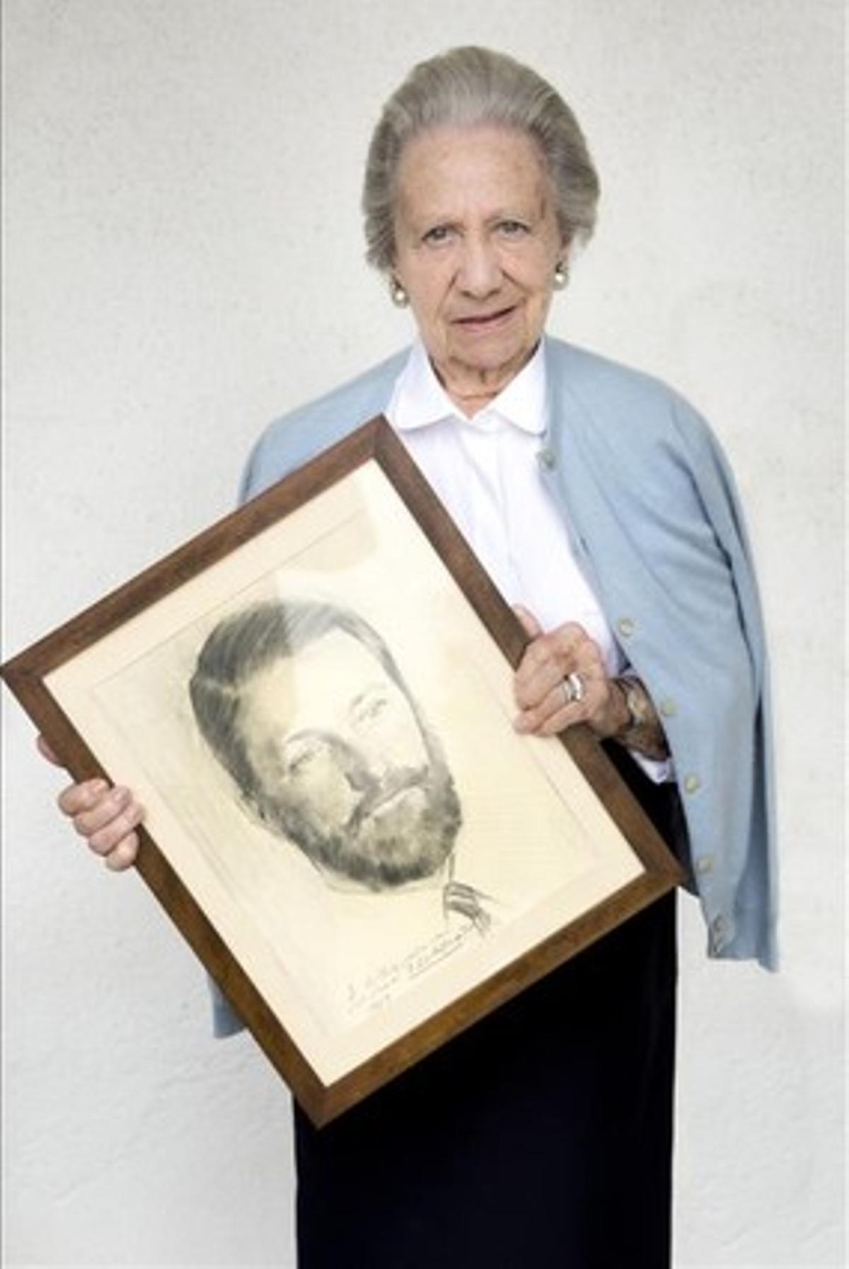 Antonia Riviere. 84 años.Viuda del fundador, Guillermo González GilbeyMi marido se volcó en este centro