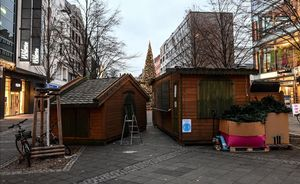 Berlin (Germany)  16 12 2020 - Christmas market booths are ready for dismantling in Berlin  Germany  16 December 2020  As the number of cases of the COVID-19 disease caused by the SARS-CoV-2 coronavirus is still rising throughout Germany  the government has imposed a second hard lockdown with businesses closing from 16 December on until 10 January 2021  (Alemania) EFE EPA FILIP SINGER