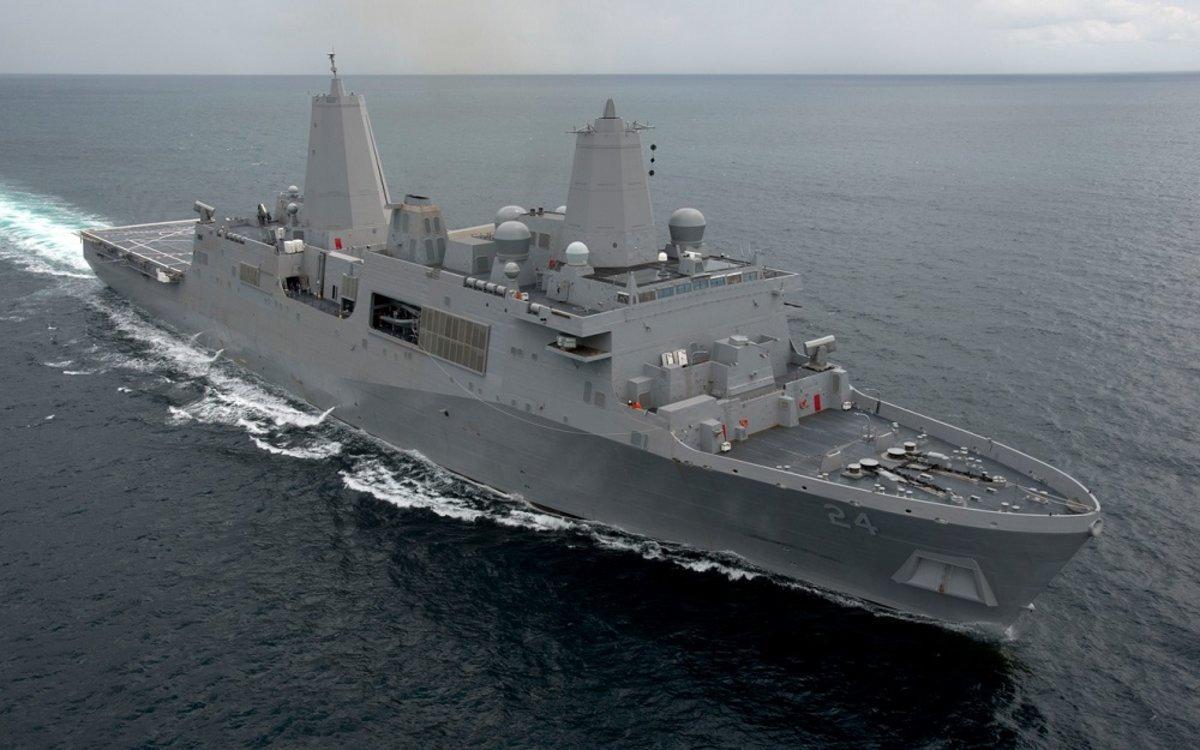 El USS Arlington como los misiles fueron solicitados por las tropas desplegadas en Oriente Medio.