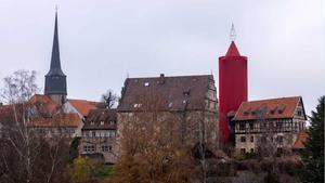 La ciudad alemana de Schlitz luce la vela de Navidad más grande del mundo.