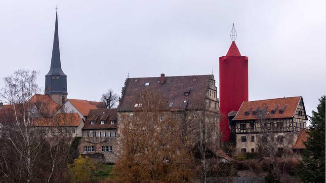 La ciudad alemana de Schlitz luce la vela de Navidad más grande del mundo