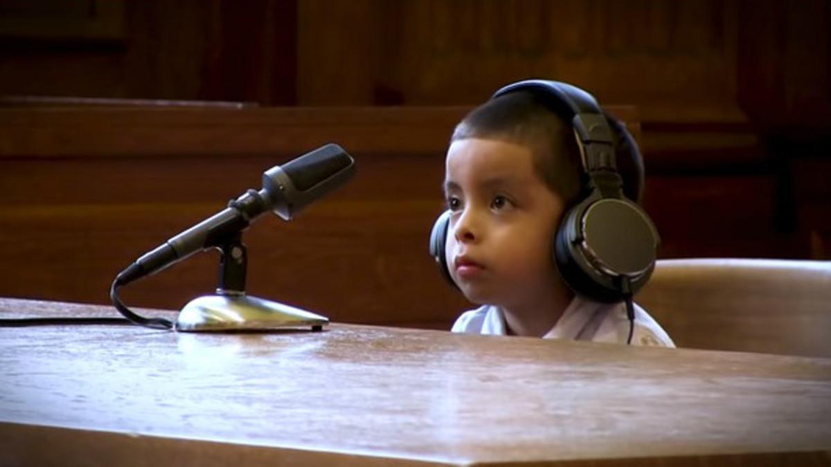 Captura del vídeo de la oenegé que denuncia los juicios a menoressin abogados