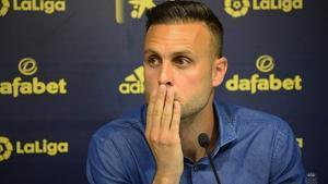 El jugador del Cádiz, Cala, en la rueda de prensa que hizo este martes para defenderse