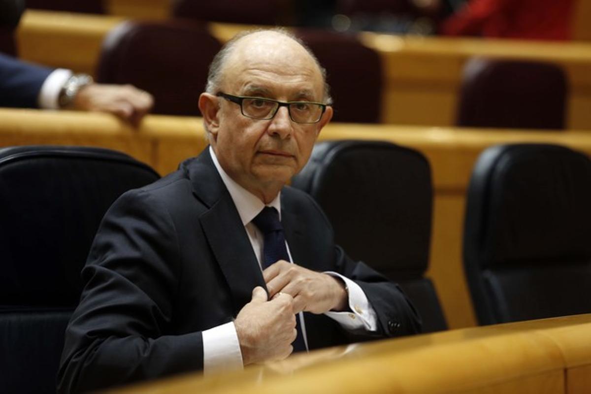 Cristóbal Montoro, durante la sesión de control al Gobierno en el Senado, el pasado 13 de mayo.
