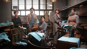 Imagen promocionalde 'La mujer del siglo', telefilme coproducido por TVE y TV-3.