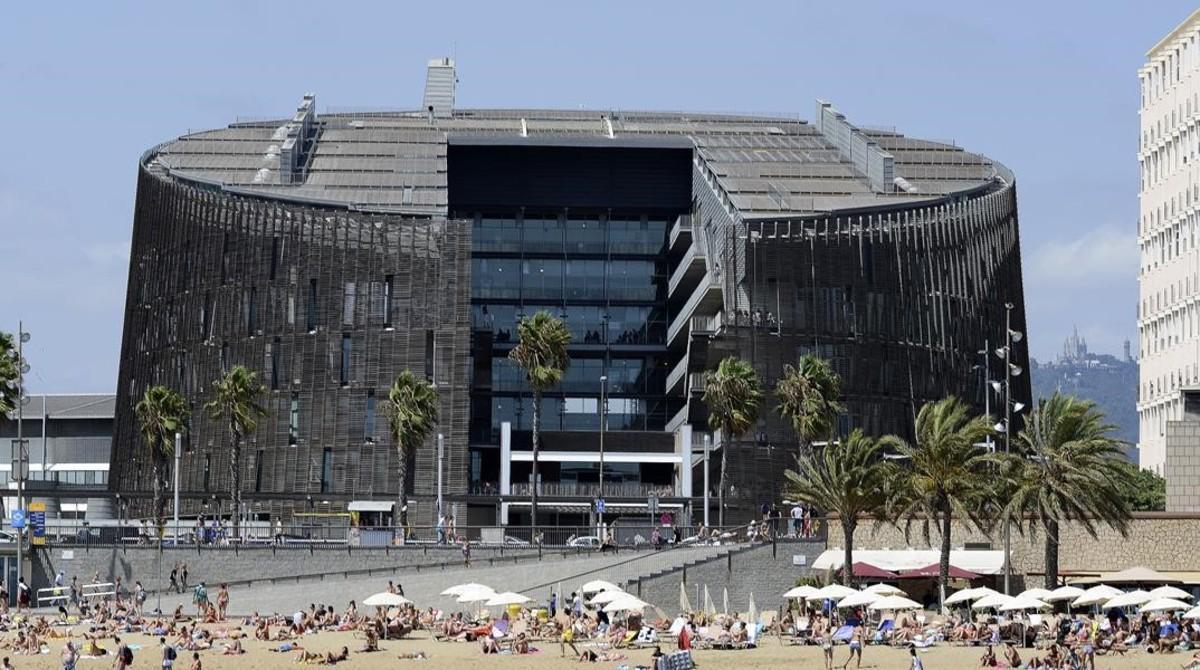 Vista del Parc de Recerca Biomèdica de Barcelona.