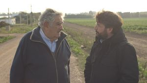 Mujica y Évole en un momento de la entrevista de 'Salvados'.