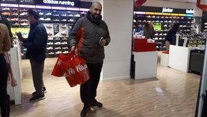 Mohamed Boukraa es un melillense que viaja a Madrid por tercer año para acudir el primer día de rebajas