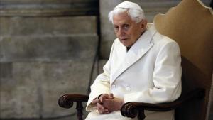 El papa emèrit Benet XVI està «extremadament fràgil»