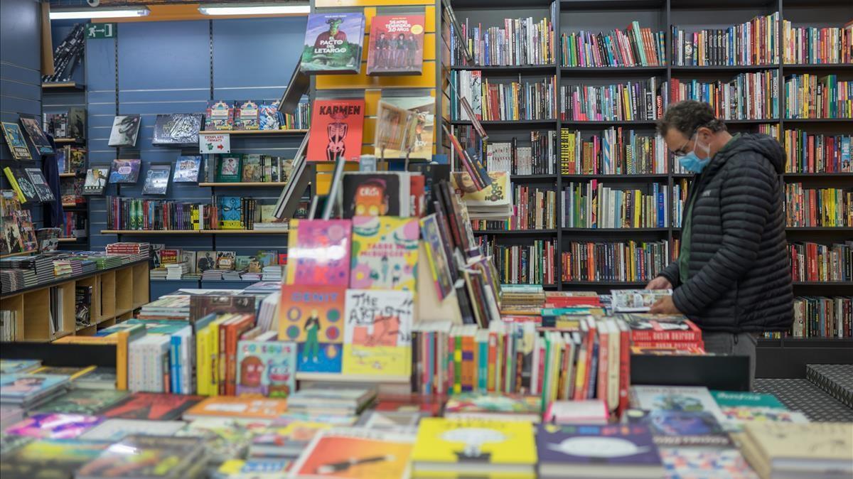 Interior de la librería Norma Cómics, en Barcelona.
