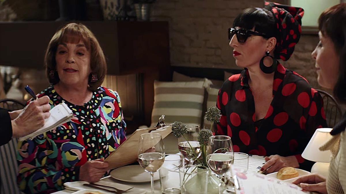 Carmen Maura y Rossy de Palma, en el espot 'Amodio', de la empresa Campofrío.