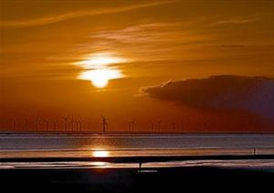 El sol rojizo en el canal de la Mancha, a finales del pasado mes de abril.