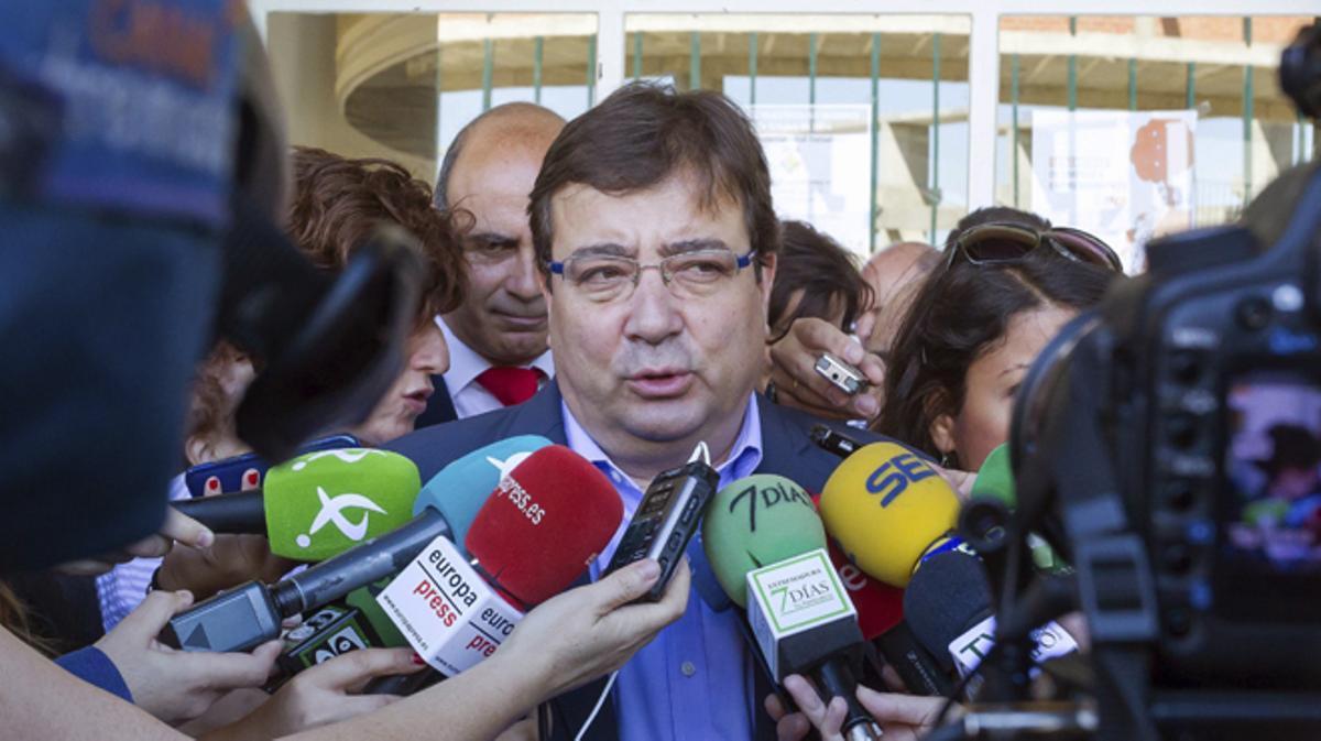 El PSOE ante la decisión de facilitar o no el Gobierno de Rajoy.